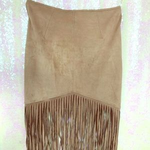 Suede fringed skirt!